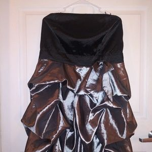 Strapless semi formal dress nwot.